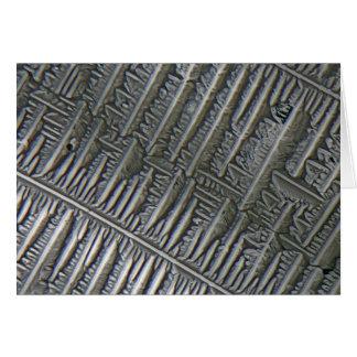 Epsomite debajo del microscopio tarjeta de felicitación