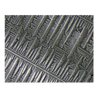 Epsomite debajo del microscopio tarjetas postales