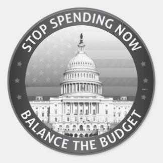 Equilibre el presupuesto pegatina redonda