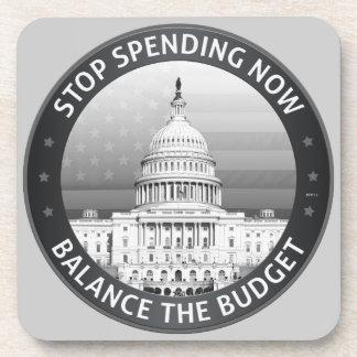 Equilibre el presupuesto posavasos de bebidas