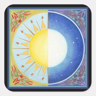 Equinoccio céltico Sun y luna Pegatinas Cuadradas