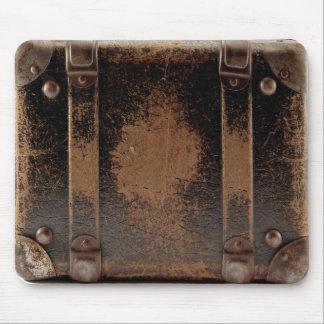 Equipaje de cuero llevado viejo mousepad