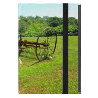 Equipamiento agrícola viejo oxidado iPad mini protectores