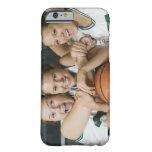 Equipo de baloncesto femenino que sonríe, retrato funda de iPhone 6 barely there