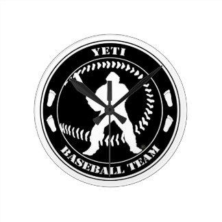 Equipo de béisbol de Yeti Reloj De Pared
