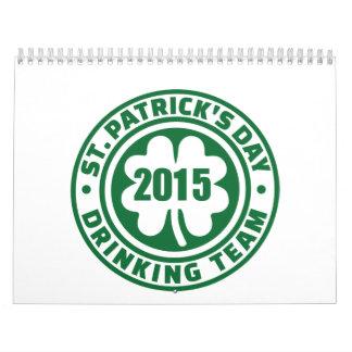 Equipo de consumición 2015 del día de St Patrick Calendario