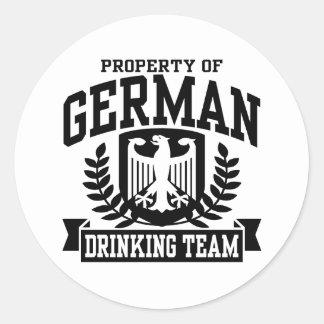 Equipo de consumición alemán pegatina redonda