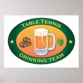 Equipo de consumición de los tenis de mesa póster