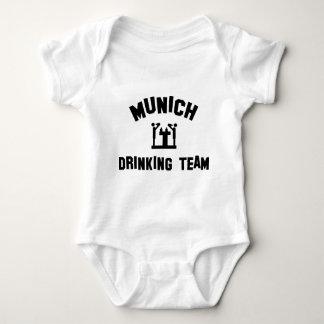Equipo de consumición de Munich Playera