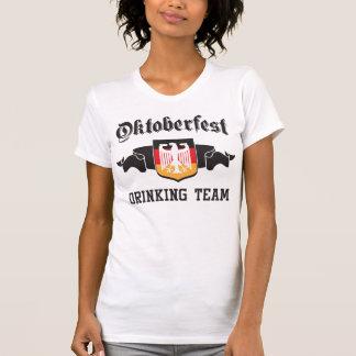 Equipo de consumición de Oktoberfest Camiseta