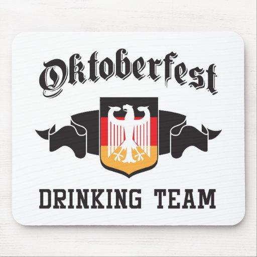 Equipo de consumición de Oktoberfest Tapetes De Ratón