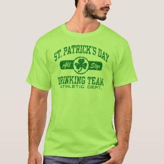 Equipo de consumición del día de St Patrick Playera