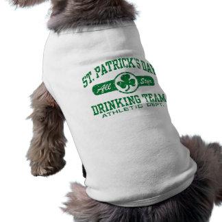 Equipo de consumición del día de St Patrick Camisa De Perro