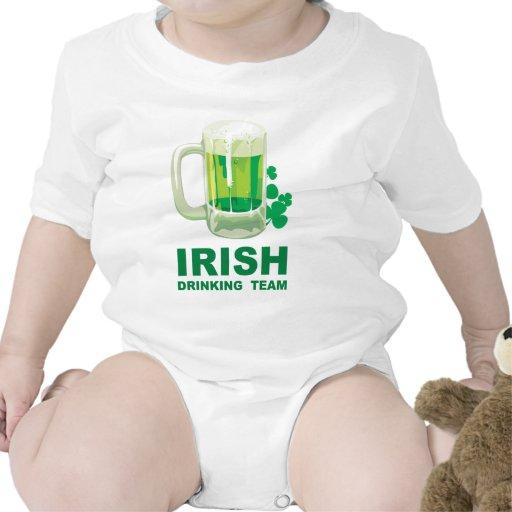 Equipo de consumición irlandés traje de bebé