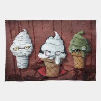 ¡Equipo de Halloween de los monstruos! Toalla