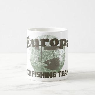 Equipo de la pesca del hielo del Europa Taza De Café