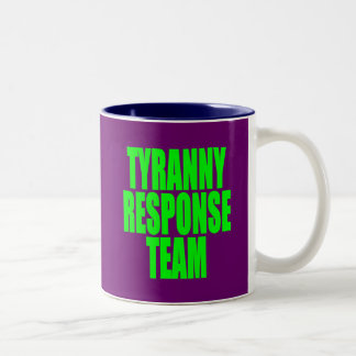 Equipo de la respuesta de la tiranía taza de café de dos colores