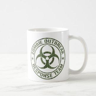Equipo de la respuesta del brote del zombi taza básica blanca