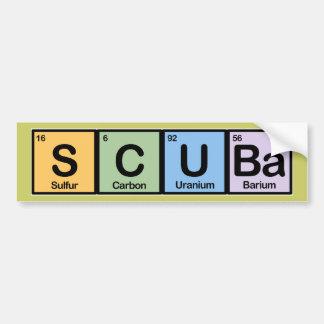 Equipo de submarinismo hecho de elementos pegatina para auto