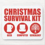 Equipo de supervivencia de Navidad - cerveza Alfombrillas De Ratón
