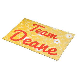 Equipo Deane Mantel Individual