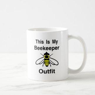 Equipo del apicultor taza clásica