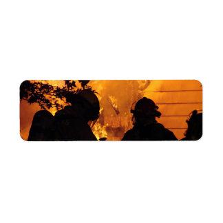 Equipo del bombero etiqueta de remite