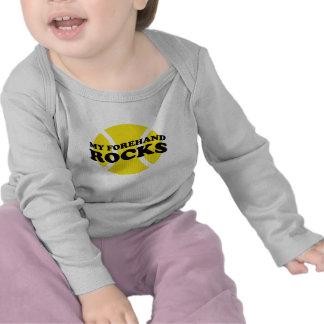 Equipo del tenis del bebé con decir lindo del lema camisetas