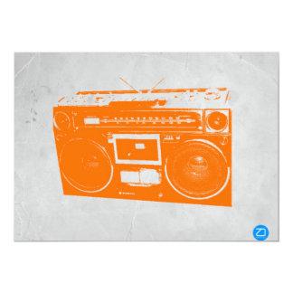 """Equipo estéreo portátil anaranjado invitación 5"""" x 7"""""""