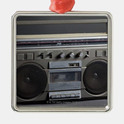 Equipo estéreo portátil arenoso adorno navideño cuadrado de metal