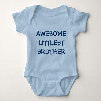 Equipo IMPRESIONANTE del bebé azul de BROTHER MÁS Playeras