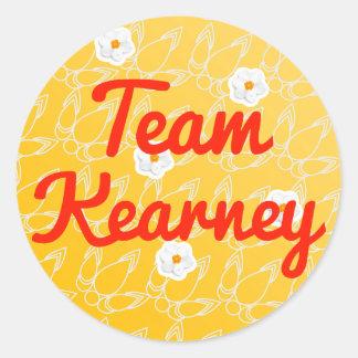 Equipo Kearney Etiqueta Redonda