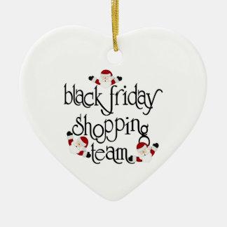 Equipo negro de las compras de viernes del navidad adorno navideño de cerámica en forma de corazón