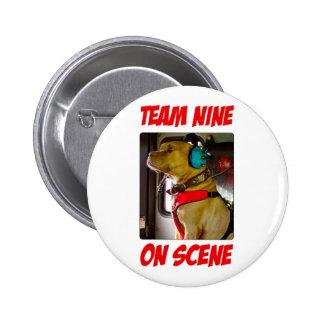 Equipo nueve en el botón de la escena pins
