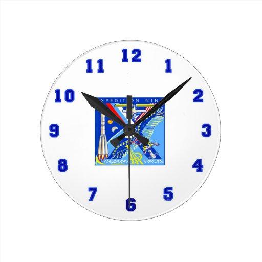 Equipos al ISS:  Expedición 14 Relojes