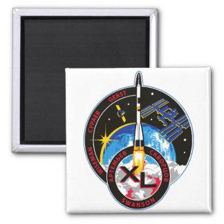 Equipos de la expedición al ISS:   Expedición 40 Imán Cuadrado