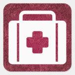Equipos de primeros auxilios mínimos pegatina cuadrada