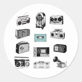 Equipos estéreos portátiles y radios retras pegatina redonda