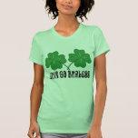 Erin va Braless Camisetas