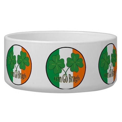 Erin va las camisetas del día de Bragh St Patrick, Tazon Para Perro