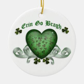 Erin va ornamento irlandés del corazón del bragh ornamento para arbol de navidad
