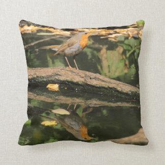 Erithacus rubecula throw pillow