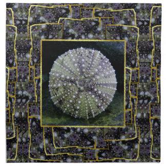 Erizo de mar con el fondo abstracto servilleta de papel