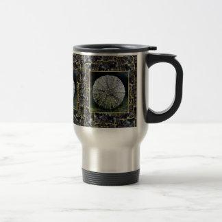 Erizo de mar con el fondo abstracto taza de café