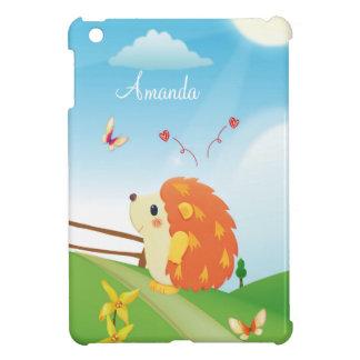 Erizo lindo del amor con día soleado de la maripos iPad mini cárcasa