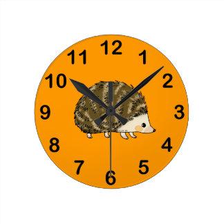 Erizo lindo reloj redondo mediano