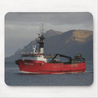 Erla N, barco del cangrejo en el puerto holandés,  Alfombrilla De Raton