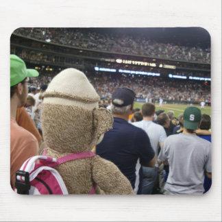 Ernie el béisbol Mousepad del mono del calcetín