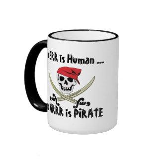 Errar es humano taza alegre del pirata de Rogelio