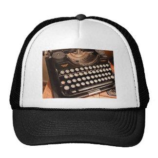 Error tipográfico gorras